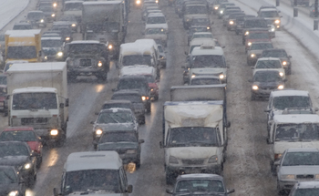 Автомобилистов призывают пересесть на общественный транспорт