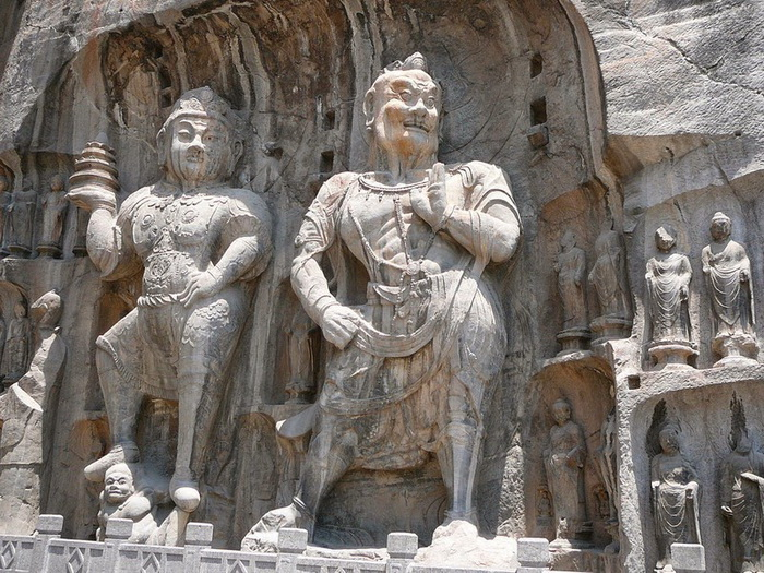 Гроты Лунмэнь - шедевр китайской буддийской архитектуры