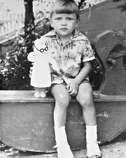 Вадим Такменев в детстве, помимо журналистики, он также хотел посвятить свою жизнь медицине