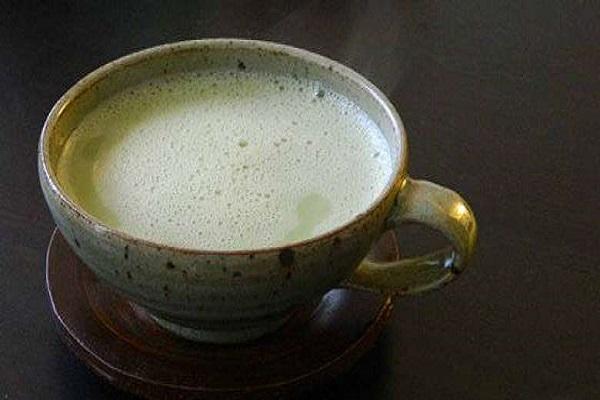 Миндальное молоко и зеленый чай — Удивительная комбинация, которая поможет вам похудеть и детоксицировать ваше тело
