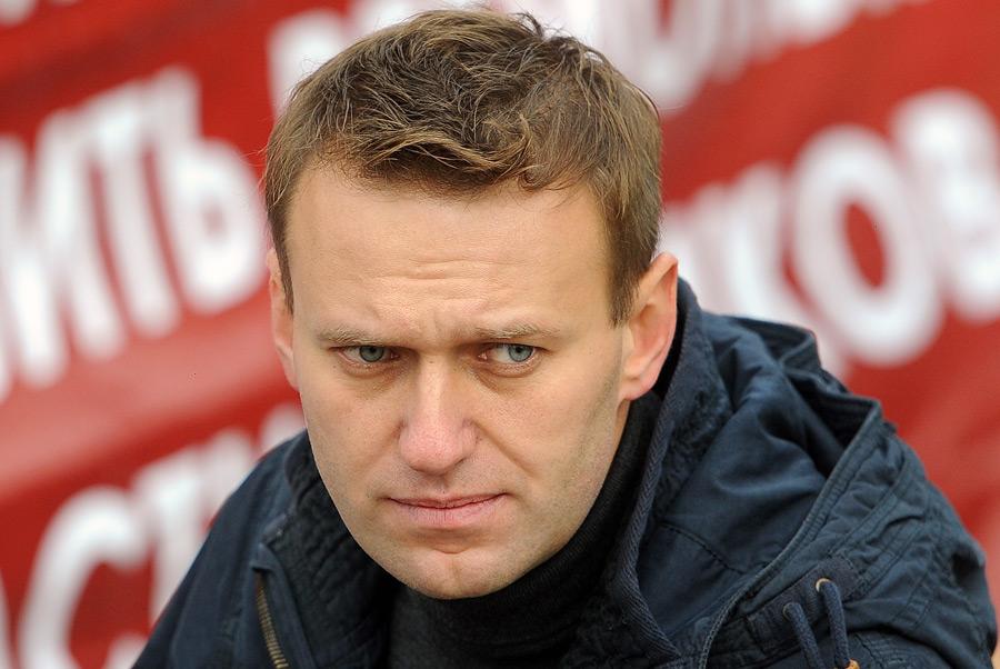 AP: Навальный уверен в победе на выборах, если ему разрешат баллотироваться