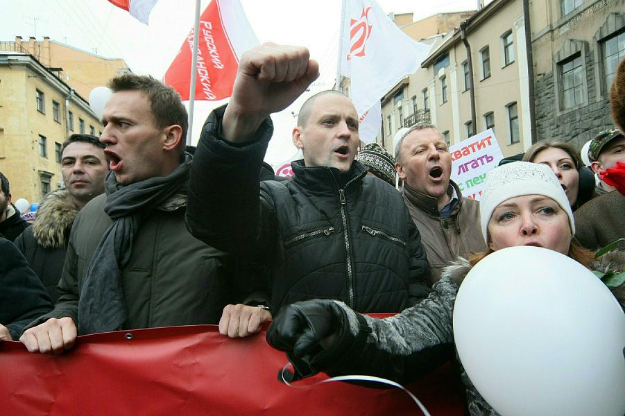 Власти взялись за лидеров улицы. Удальцов получил запрет, Навальному приготовиться?