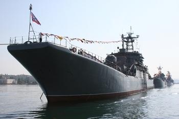 Крымский депутат посоветовал украинским военным не шутить с Черноморским флотом
