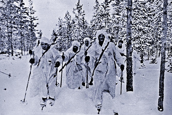 План Сталина: Куусинена в Финляндию собирались забросить с парашютом
