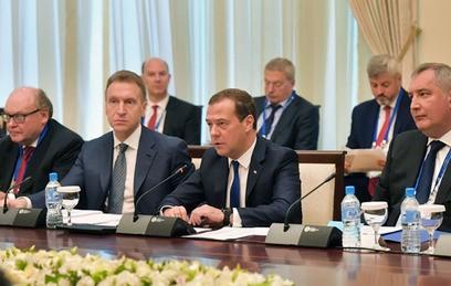 Медведев обсудит борьбу с терроризмом в Ташкенте