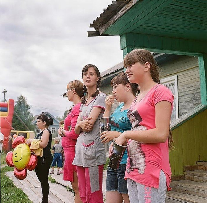 Душевные фотографии женщин из российских деревень, в которых всё по-настоящему