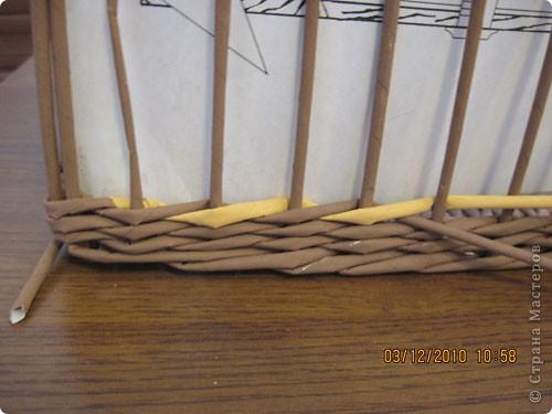 Мастер-класс,  Плетение, : Плетение квадратной (прямоугольной ) коробки Бумага газетная . Фото 27