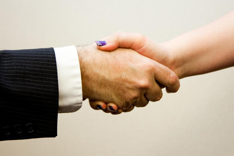 Про этикет и рукопожатие