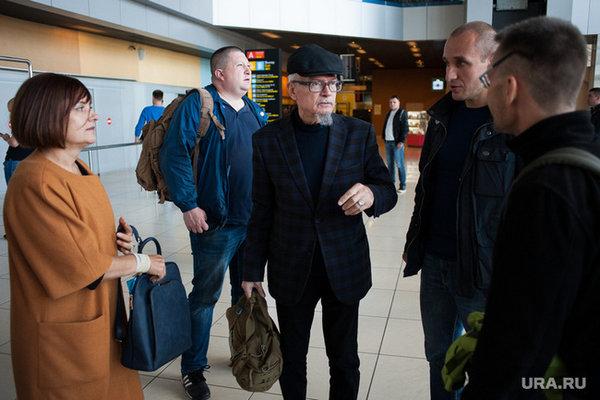 Лимонов считает что Ельцина выкопают и прокатят по Москве