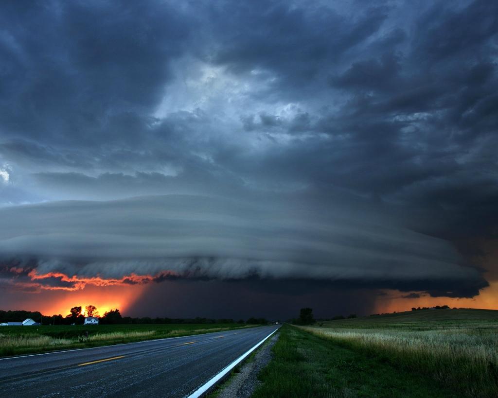 6151 Ураганы и смерчи в фотографиях