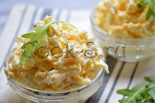 Салат белочка с чесноком фото