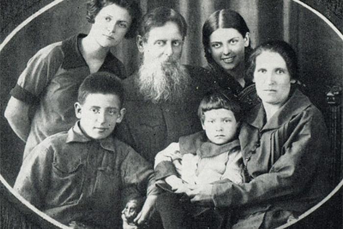 Сказочник Павел Бажов и его ученица: Кем на самом деле была Хозяйка медной горы