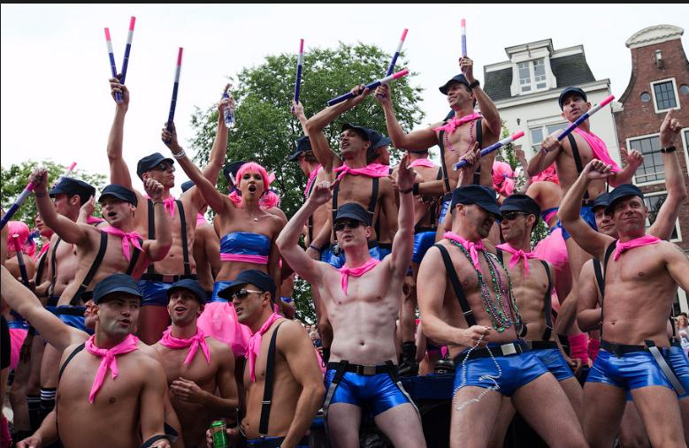 «Пролетариат» Запада XXI века: гомосексуалист-активист пришел на смену рабочему