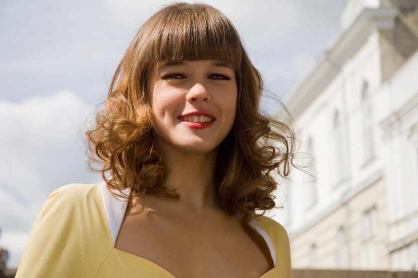 Роковая женщина. Катерина Шпица произвела фурор своим нарядом. Восхищению нет предела