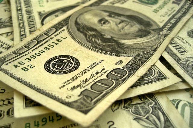 Курс доллара поднялся выше 67 рублей