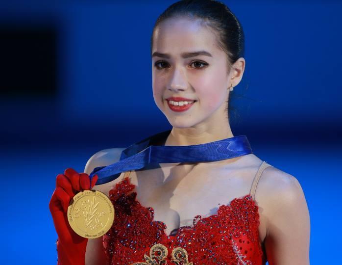 Красотка с характером: Алина Загитова произвела фурор в Японии