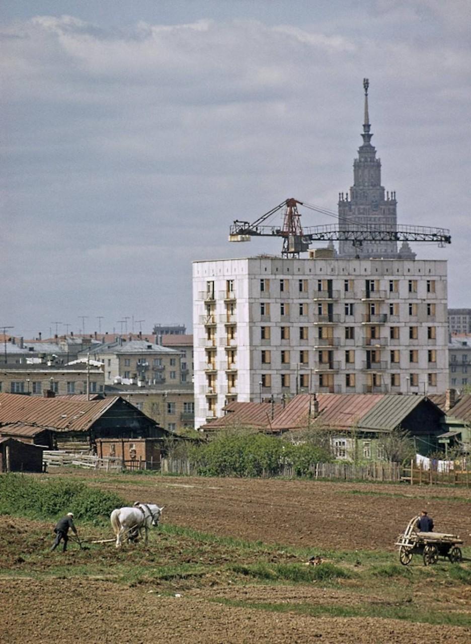 Сталин оставил Россию с сохой (фото).