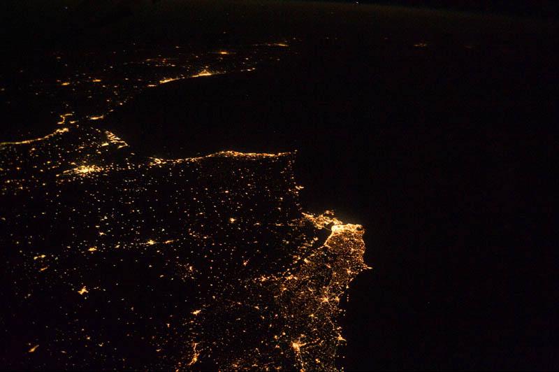 1811 Ночь на планете: 30 фото из космоса