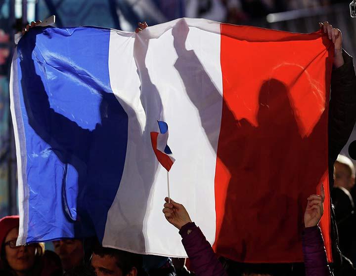 Французы бьют тревогу на Украине, лягушатников атакуют нацисткие отморозки