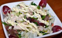 Куриный салат с фисташками и…