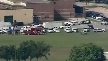 При стрельбе в школе Техаса есть погибшие