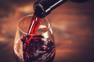 Почему дешёвое молодое вино полезнее выдержанного?