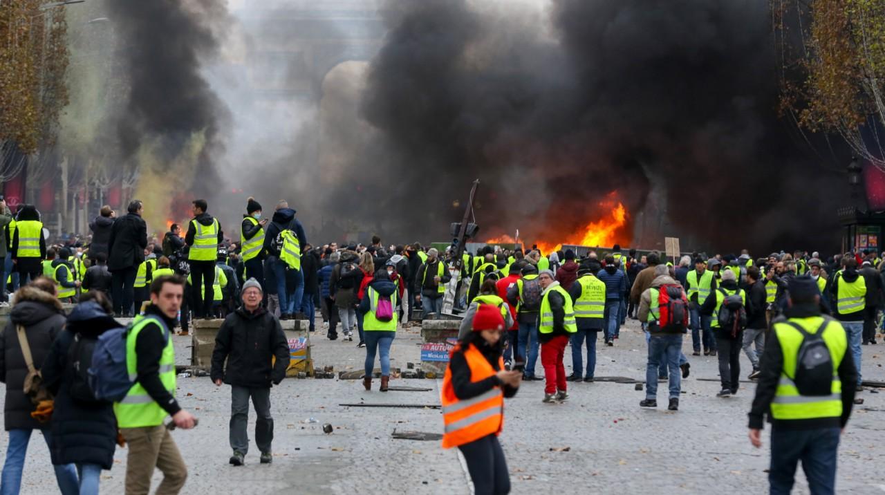 Что посеешь, то и пожнешь: почему во Франции плохо то, что хорошо на Украине и в Ливии?