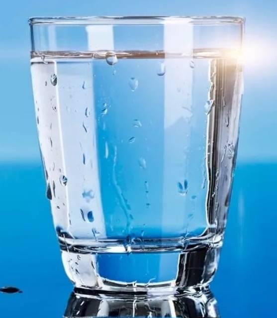 ЗДРАВОТДЕЛ. Стакан воды в часы Ю-ШИ