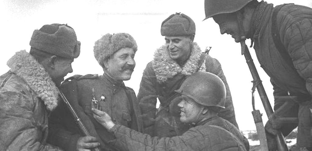 Боец РККА с Георгиевским крестом