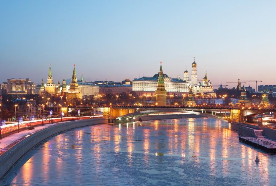 """Москвичи часто употребляют слова: """"Понаехали тут..."""". Хотя, большинство сами из таких же """"понаехавших""""."""