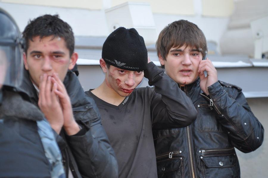 Русскую развели на толпу 14 фотография