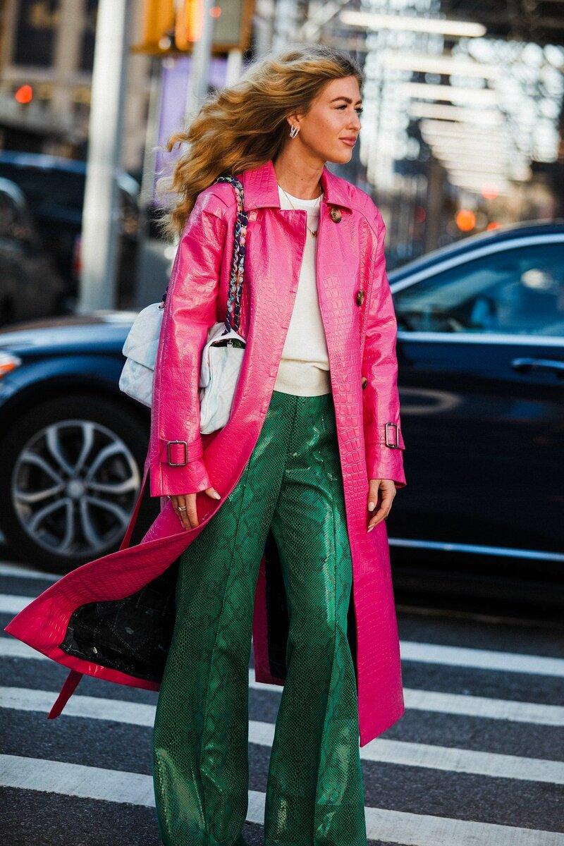 С чем носить розовый тренч? /Фото: i.pinimg.com