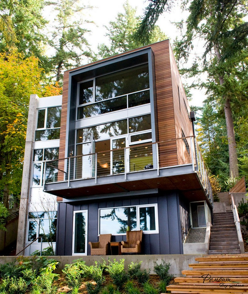окна с южной стороны дома со стеклопакетами до пола обеспечивают хороший микроклимат внутри