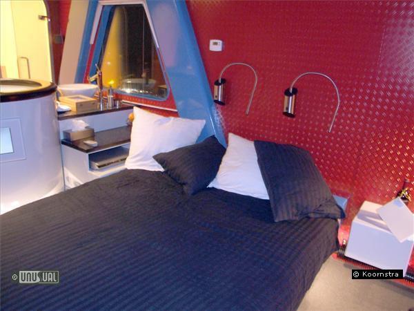 Отель в кране кран, отель, нидерланды