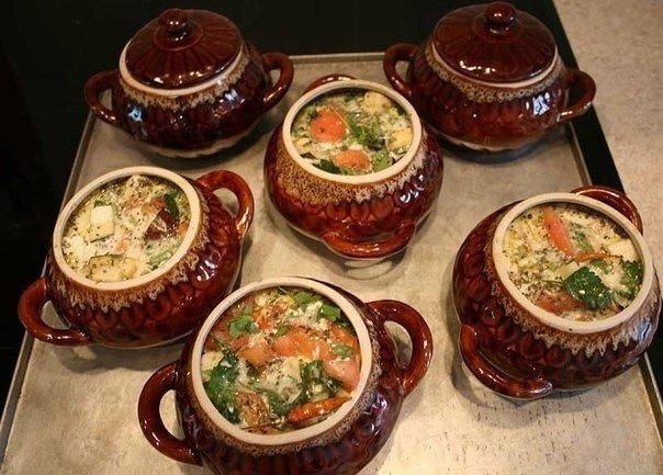 Топ-17 потрясающих рецептов блюд, приготовленных в горшочках