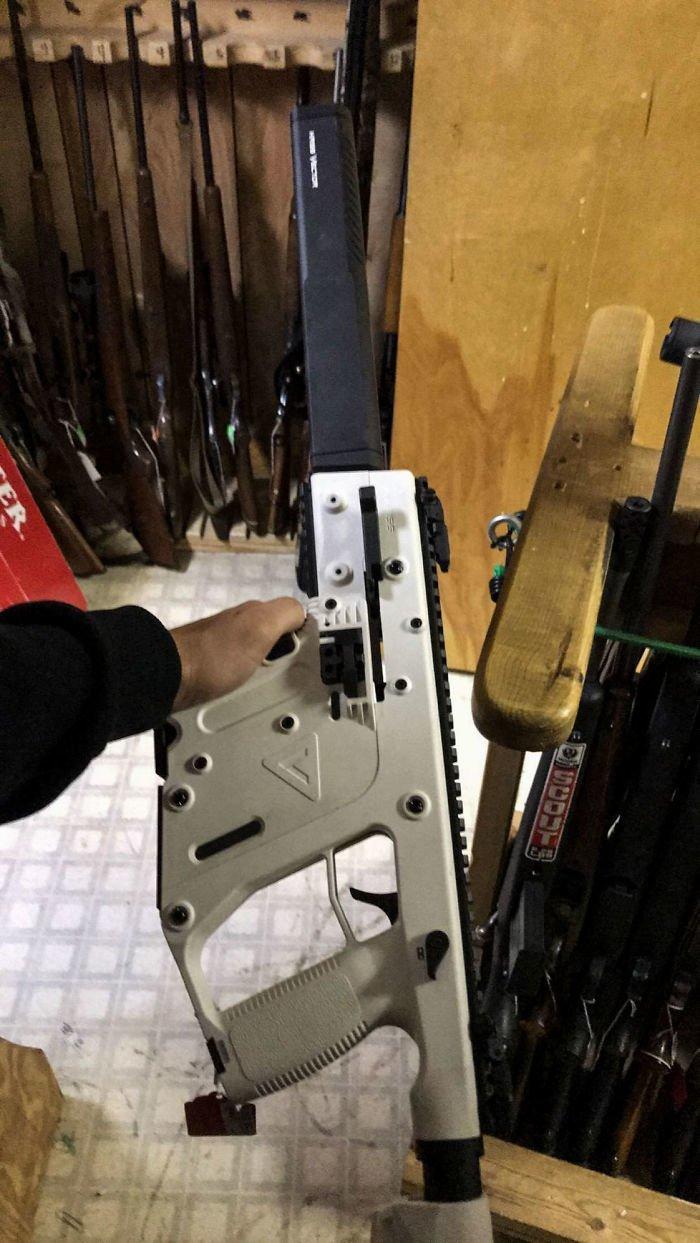 11. Пистолет-пулемет Kriss Vector 45ACP Alpine заем, заемщик, залог, имущество, истории, истории из жизни, ломбард, сдать