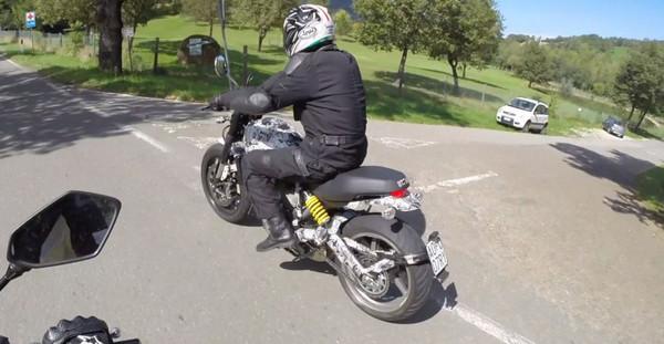 Новейший Ducati Scrambler «пойман» на дороге - Фото 2