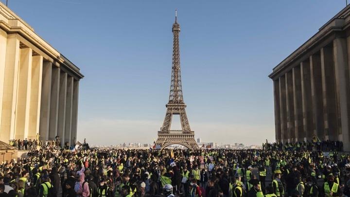 Франция: «Ползучая революция» продолжается