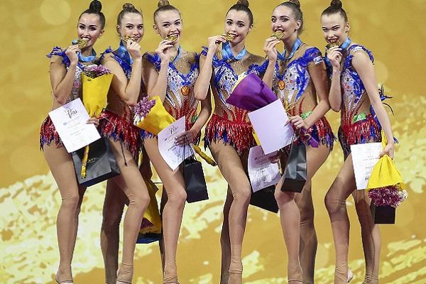 Сборная России по художественной гимнастике триумфально победила в многоборье