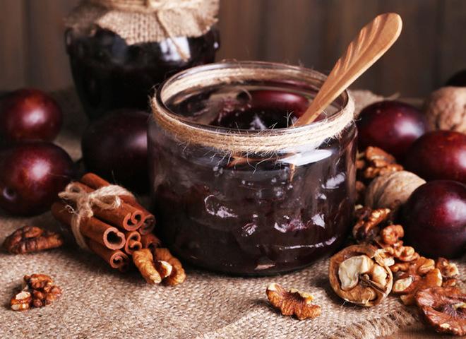 Сливовое варенье: интересный рецепт с орехами и корицей
