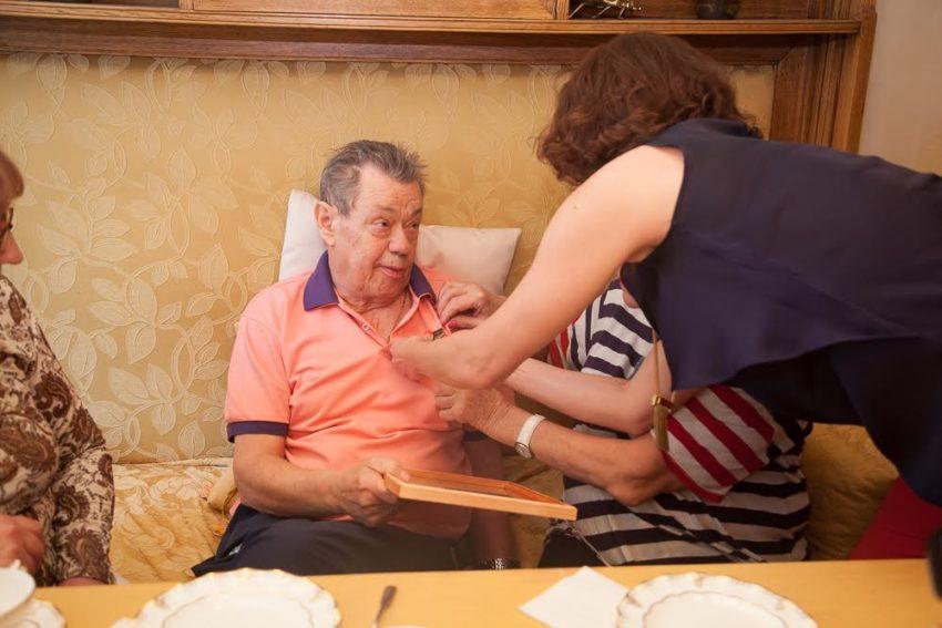 Тяжелобольной Караченцов не может дышать