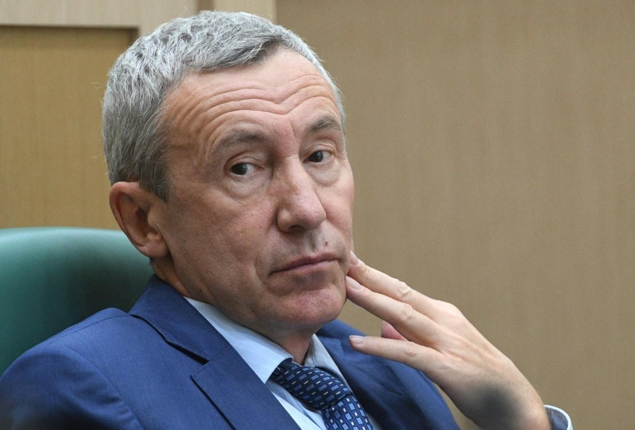 """Член Совфеда прокомментировал заявление """"Большой семёрки"""" про усиление санкций"""