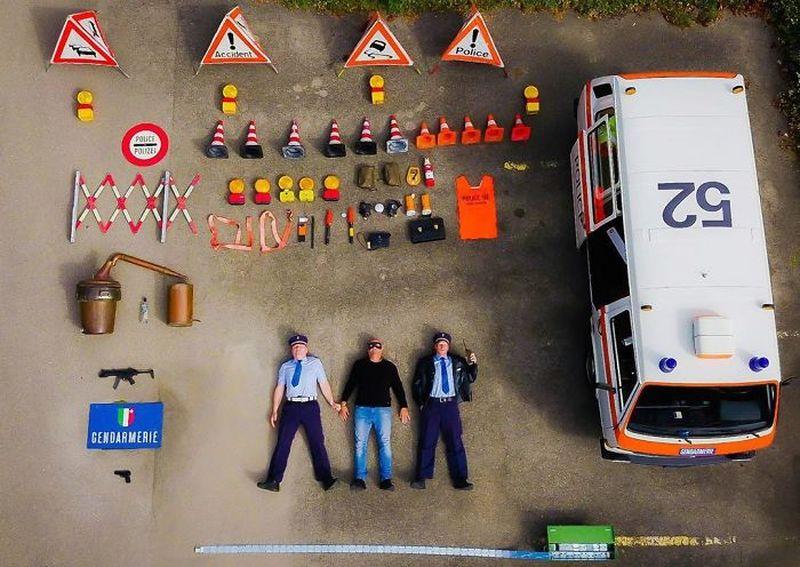 Машины спасателей, медиков, пожарных и их содержимое