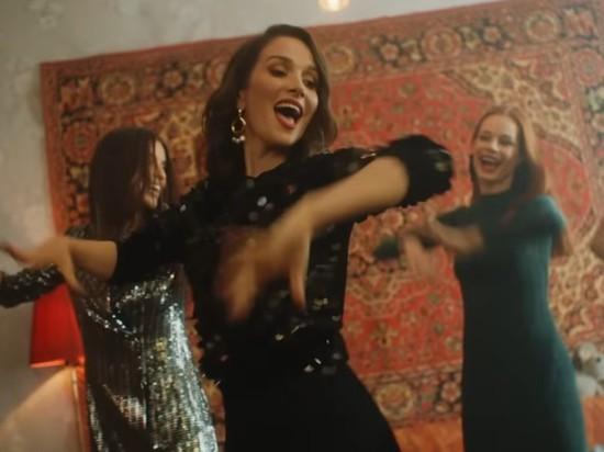 «Я ваша Наташа!» Наталья Орейро сняла клип в подмосковной Балашихе
