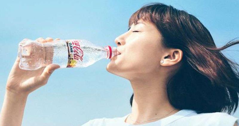 Та самая, которую пил товарищ Жуков: японцы выпустили прозрачную кока-колу