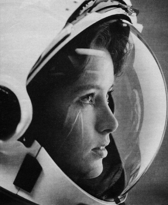 Анна Фишер (Anna Fisher) — «первая мать в космосе».