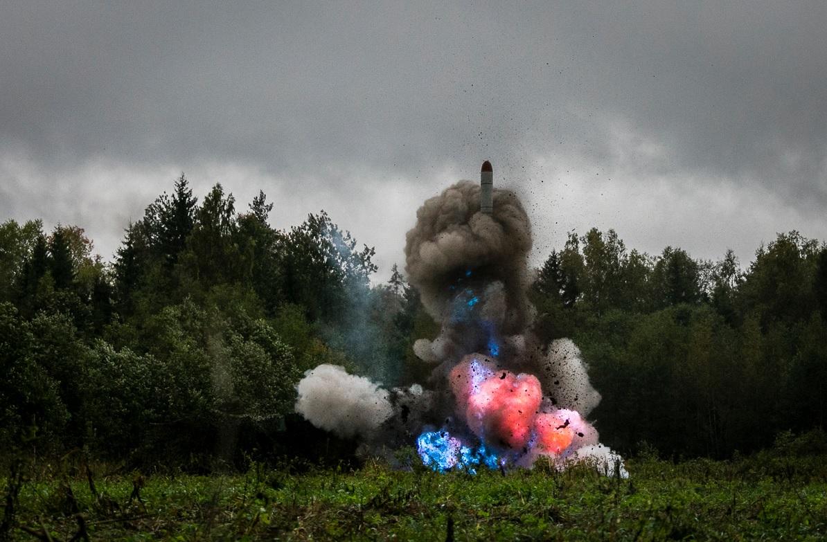 Пуск крылатой ракеты ракетного комплекса «Искандер-М» во время активной фазы учения «Запад-2017»