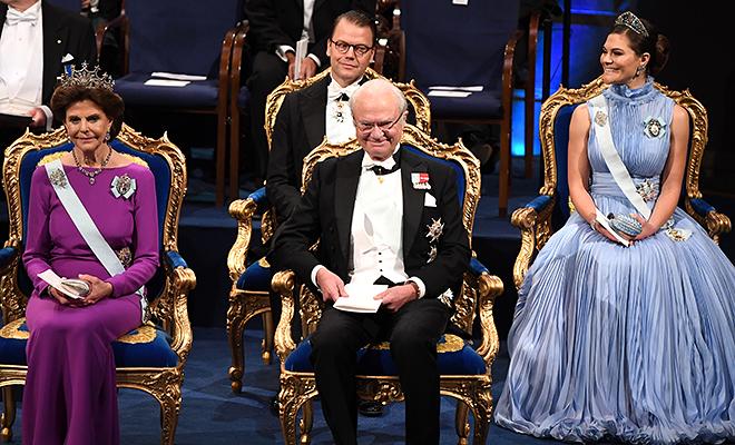 Принцессы Виктория, беременная Мадлен и другие члены шведской монаршей семьи на вручении Нобелевской премии