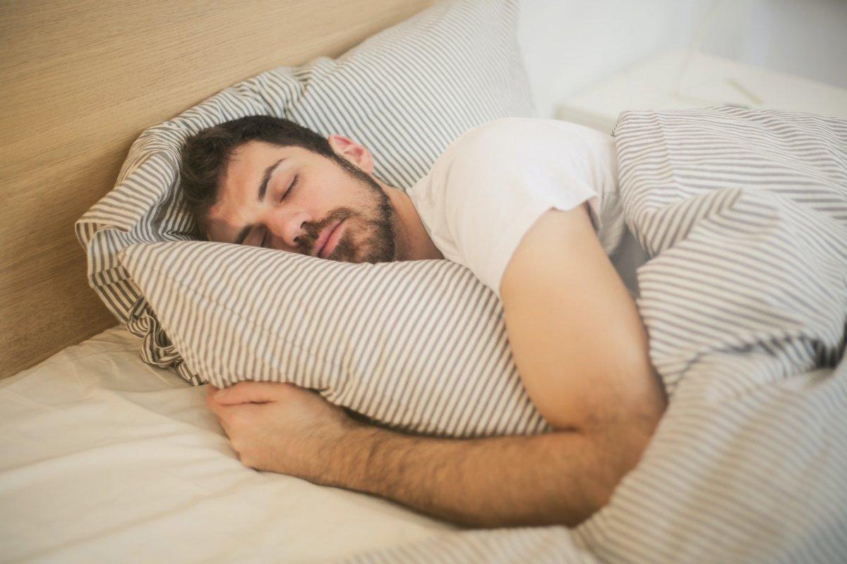 Как быстро заснуть: «военный метод», чтобы уснуть в течение двух минут
