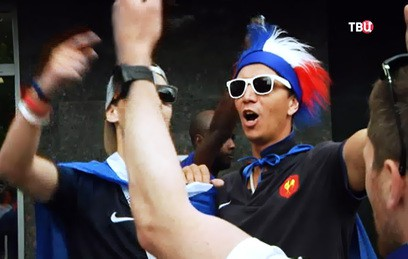 Как Париж отметил победу над Уругваем на ЧМ